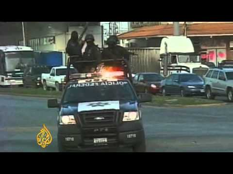 Video shows Mexican police 'kidnapping' men