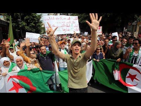 يورو نيوز:جمعة جديدة من المظاهرات في الجزائر تنادي برفض الإنتخابات التي يطالب بها الجيش…