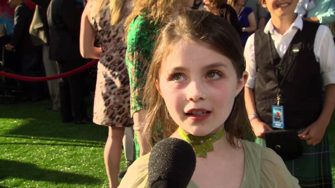 Peigi Barker (Young Merida) Soundbite on the Red Carpet ...