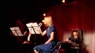 Scarlet Ribbons Medley - Róisín Murphy feat. Tony Christie
