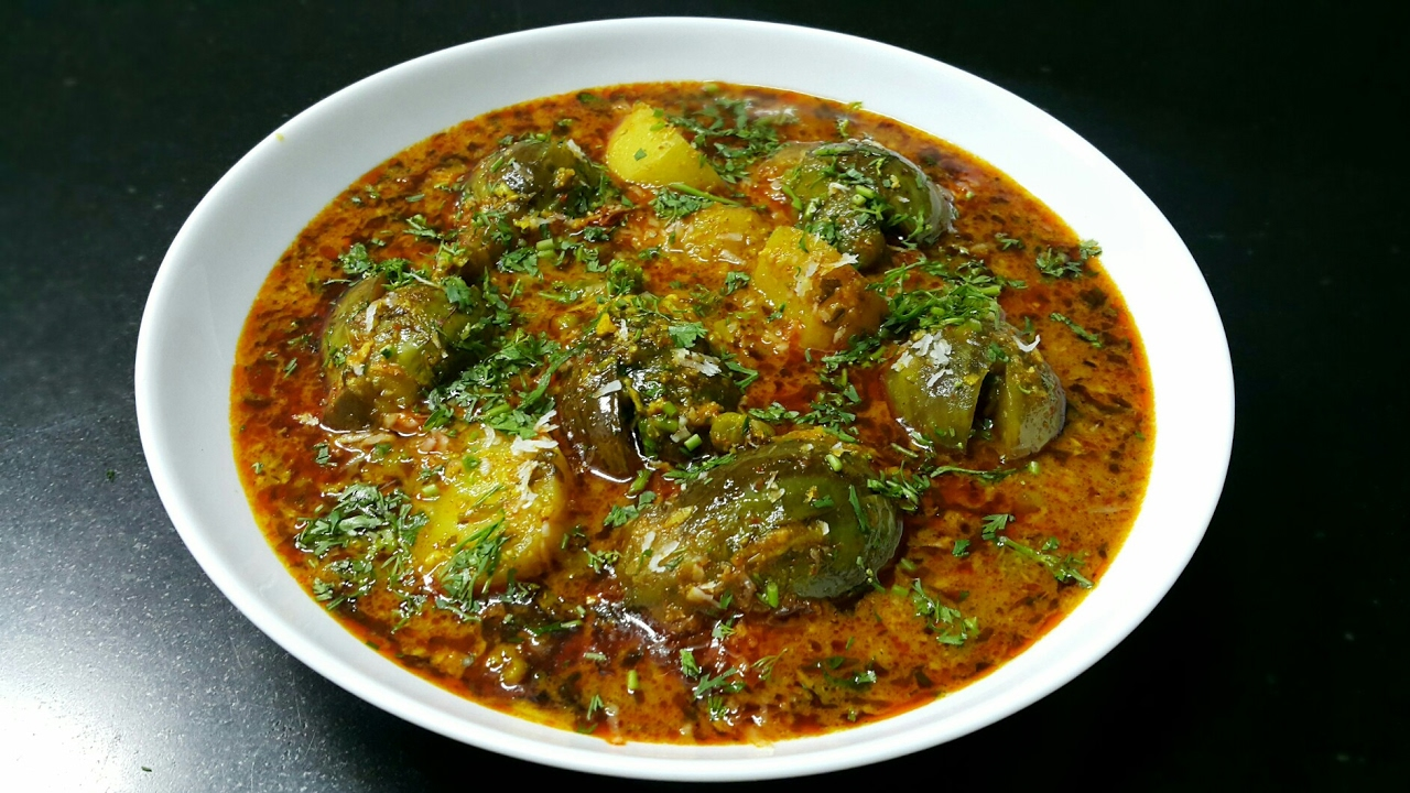 Bharwa Baigan Recipe - Ringan na Ravaiya - Stuffed baby Eggplant recipe -  Gujarati recipe - YouTube