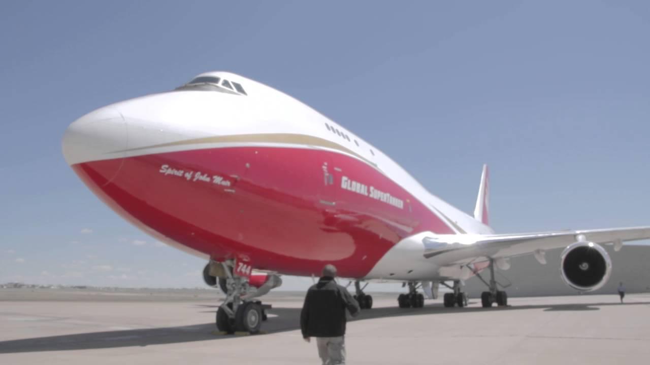 World's largest firefighting plane flies into Colorado ...