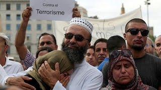 Muçulmanos marcham em Barcelona contra terrorismo