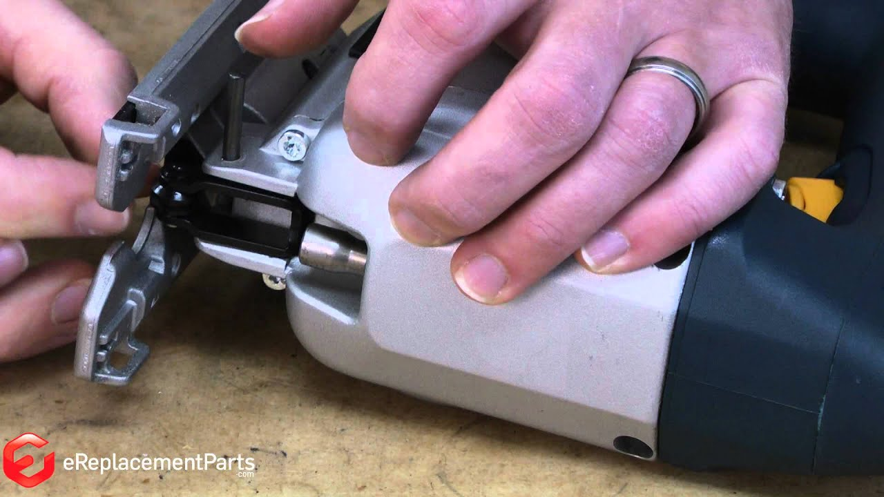 How to replace the blade roller assembly in a bosch 1587avs jigsaw how to replace the blade roller assembly in a bosch 1587avs jigsaw a quick fix greentooth Images