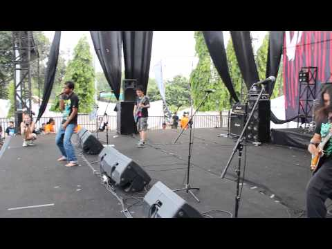 Failure Trace -Live In Obscene Extreme Asia 2013 'Indonesia'
