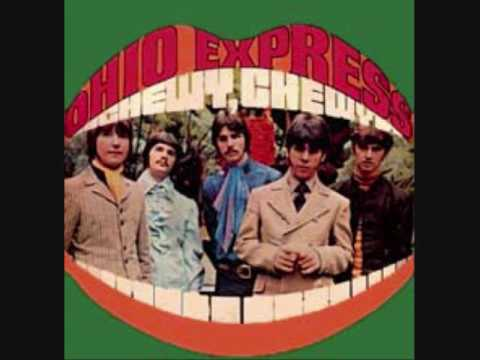 "THE OHIO EXPRESS- ""CHEWY CHEWY""(LYRICS) - YouTube"