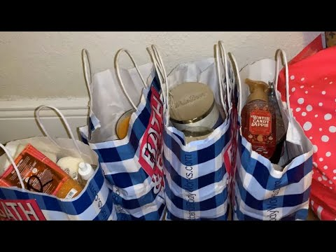 DUMPSTER DIVING AT BATH & BODY WORKS, TJMAXX AND BARNES & NOBLE