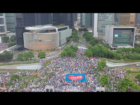 'I'm so heartbroken!' Hong Kong citizens denounce violence 我很痛心!香港市民強烈譴責暴力亂港行徑
