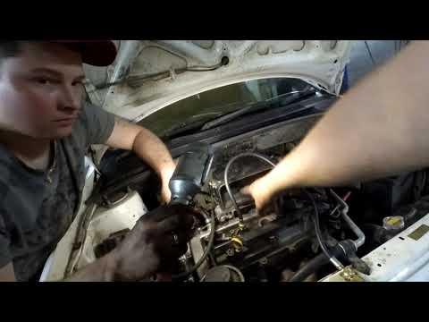 Toyota PLATZ 1sz не запускается с утра  , троит,вибрация. Замена цепи ,регулировка зазоров клапанов.