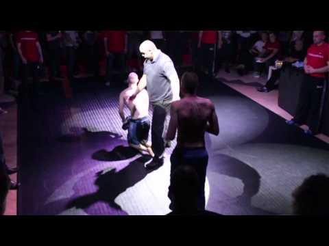 Dean Evans vs Rich Loco - The Fight