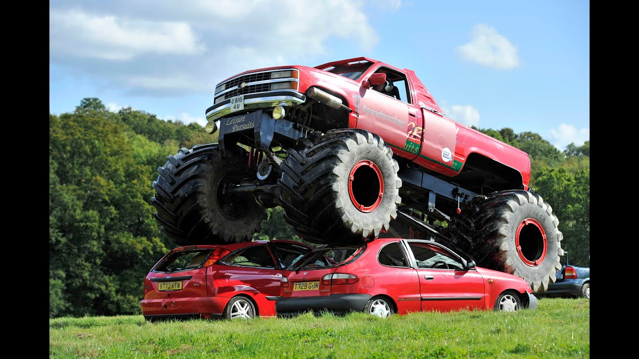 Crushing Cars In The Grizzly Monster Truck Youtube