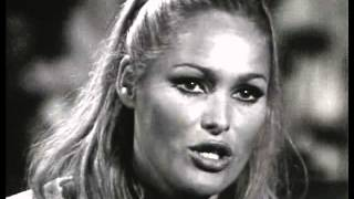 Ursula Andress - Interview (1965)