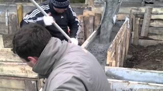 Заливка ленточного фундамента, г. Дегтярск(Продажа и доставка бетона Стройтранс http://www.s-trance.com/, 2013-11-11T15:08:45.000Z)
