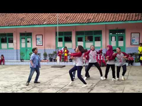 Si Kabayan jadi selebritis by Sdn Nilem 6B Bandung
