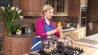 Spaghetti bolognese recipe - Waitrose