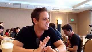 Interview With E.P. & Writer Greg Berlanti of Arrow at Comic-Con 2014 Thumbnail