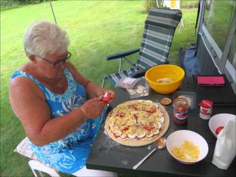 Pizza Steen Tegel : Pizza maken verse op de pizzasteen youtube