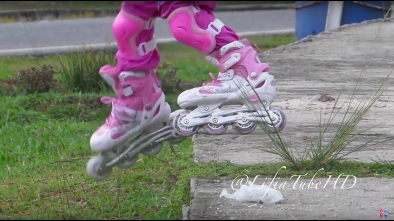 Lifia Niala belajar bermain sepatu roda - lets play inline Skating  Rollerblade - YouTube 70869367d3