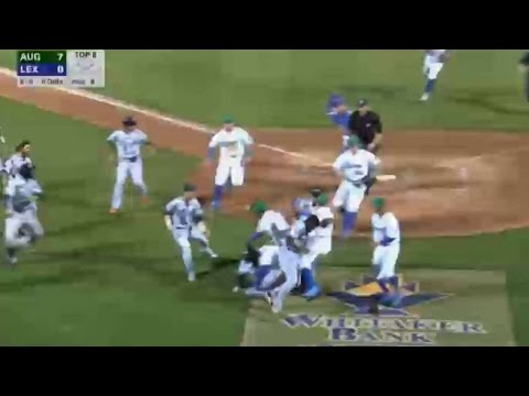 Benches clear after Beltre homer