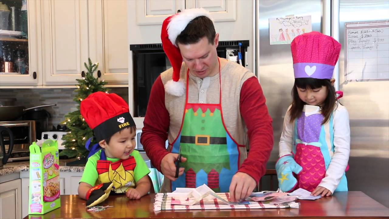 making kids christmas cookies with my brother and dadyummy nummies - Making Christmas Cookies