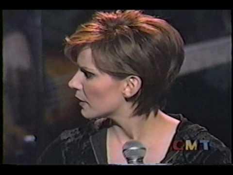 Martina McBride - 08 A Broken Wing - Farm Aid 1998