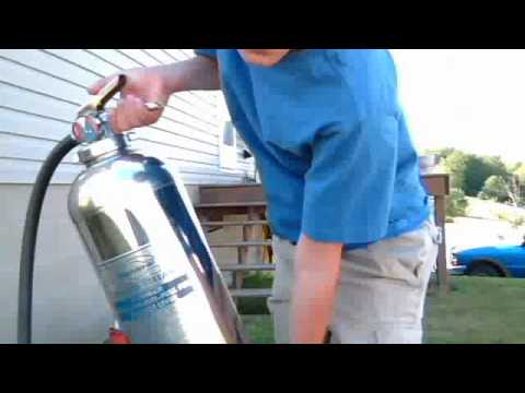 How to use a fire extinguisher (water & foam)