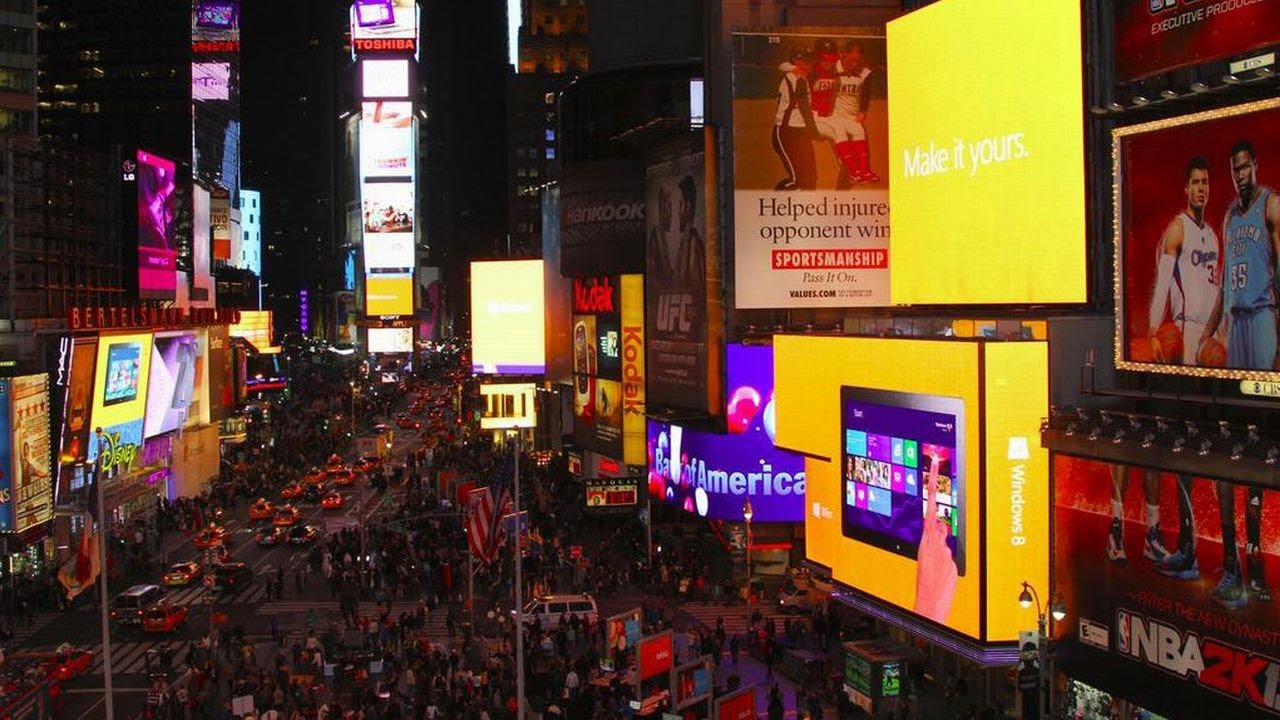 microsoft holiday store opening times square nyc launch event