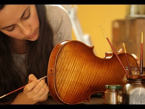 Woman Violin Maker in Cremona - Aleksandra Radonich