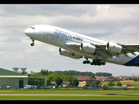 Le Bourget 2011 - Airbus 380 in flight display