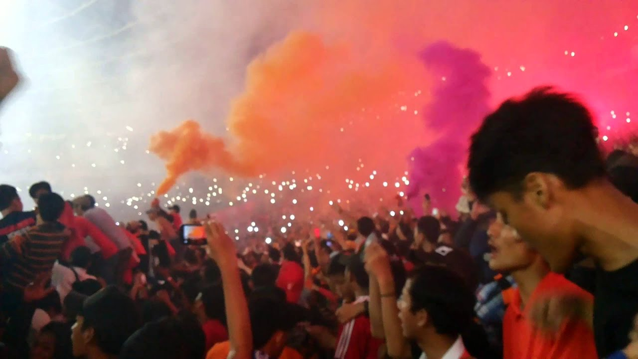 Curva Nord Persija #TrofeoPersija2015 (vs Arema) - YouTube