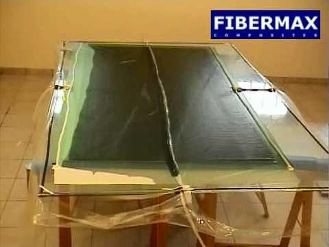 Vacuum infusion on glass mold - Fibermax Composites