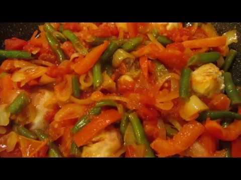 Горячее блюдо из курицы для будней и праздников. Чахохбили со стручковой фасолью и овощами.