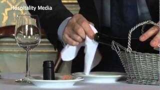 How to open a bottle of Red Wine