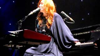 Tori Amos ParisOct 5th 2011 - wrong program improv - Jeanette Isabella