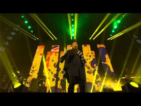 Stan Walker 'Bulletproof / Take It Easy' at the 2013 VNZMA's