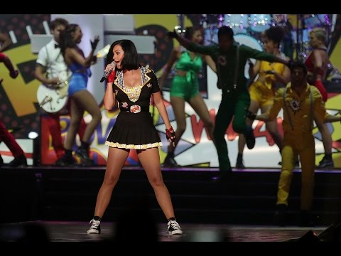 Katy Perry - Hot N Cold & Teenage Dream (Live at Singapore F1 2012 HD)