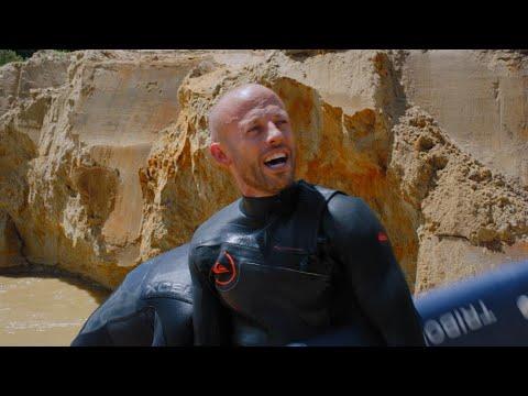 Zot! De broers surfen in een zelfgemaakt golvenbad | Het Lichaam van Coppens