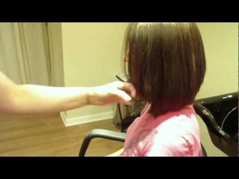 Medium Length Graduated Layered Bob Haircut Tutorial