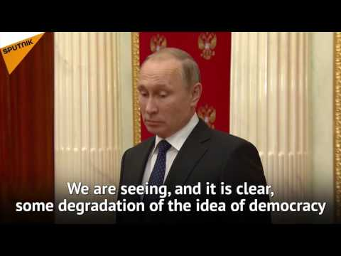"""Putin: EU Keeps Trying to '""""Teach"""" Us Democracy, But Bans Aren't the Way"""