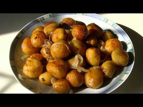 Молодая жареная картошка. Приготовьте, это очень вкусно.