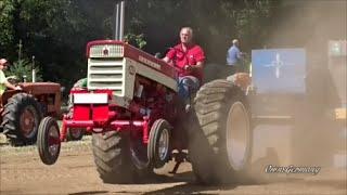 Classic Farm Tractors Hard Pulling - Allis Chalmers Farmall Oliver John Deere