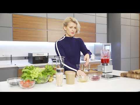Полина Киценко готовит фитнес-завтрак с гранолой