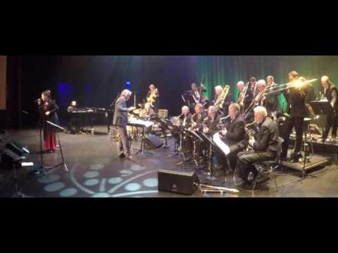 Jingle Bells - Sandvika Storband / Majken Christiansen