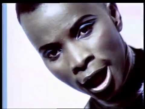"Angelique Kidjo - ""We We"""