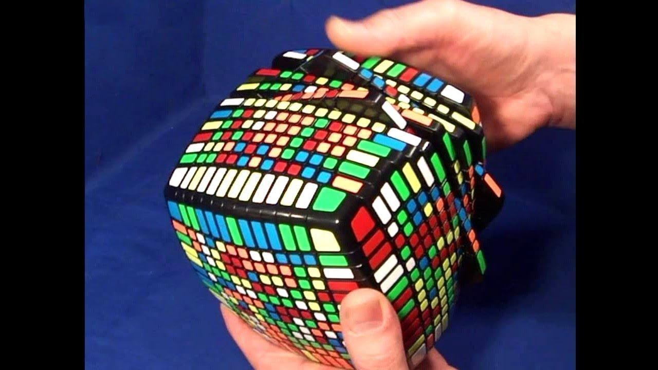 Un enfant résout le rubik's cube le plus dur du monde en ...