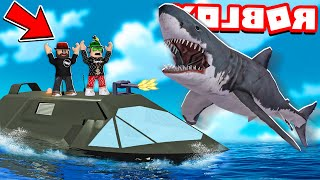 STEALTH BOAT VS SHARK in ROBLOX SHARKBITE (New Update Invisible Ship)