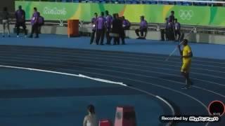 Usain Bolt hází oštěpem :D