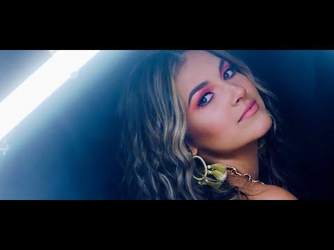 Смотреть клип Katrina Stuart - Who She