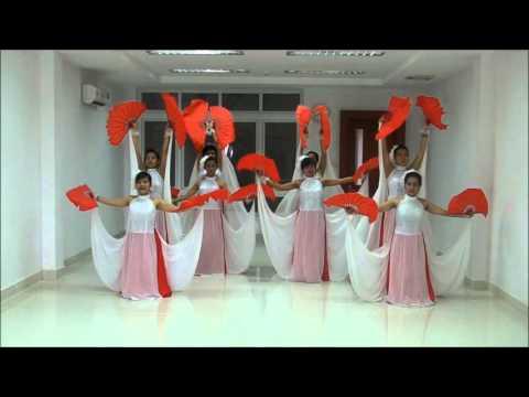 [Parawell Vietnam] Múa quạt - Cây đa quán dốc