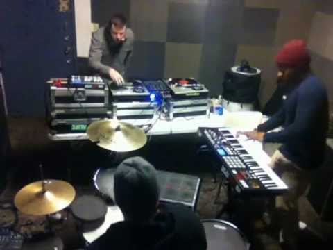 KEYS N KRATES - MEEK MILL LIVE (FROM REHEARSAL ROOM)